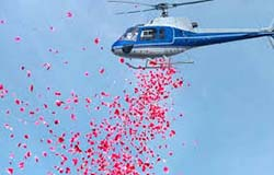 helicopter for flower dropping